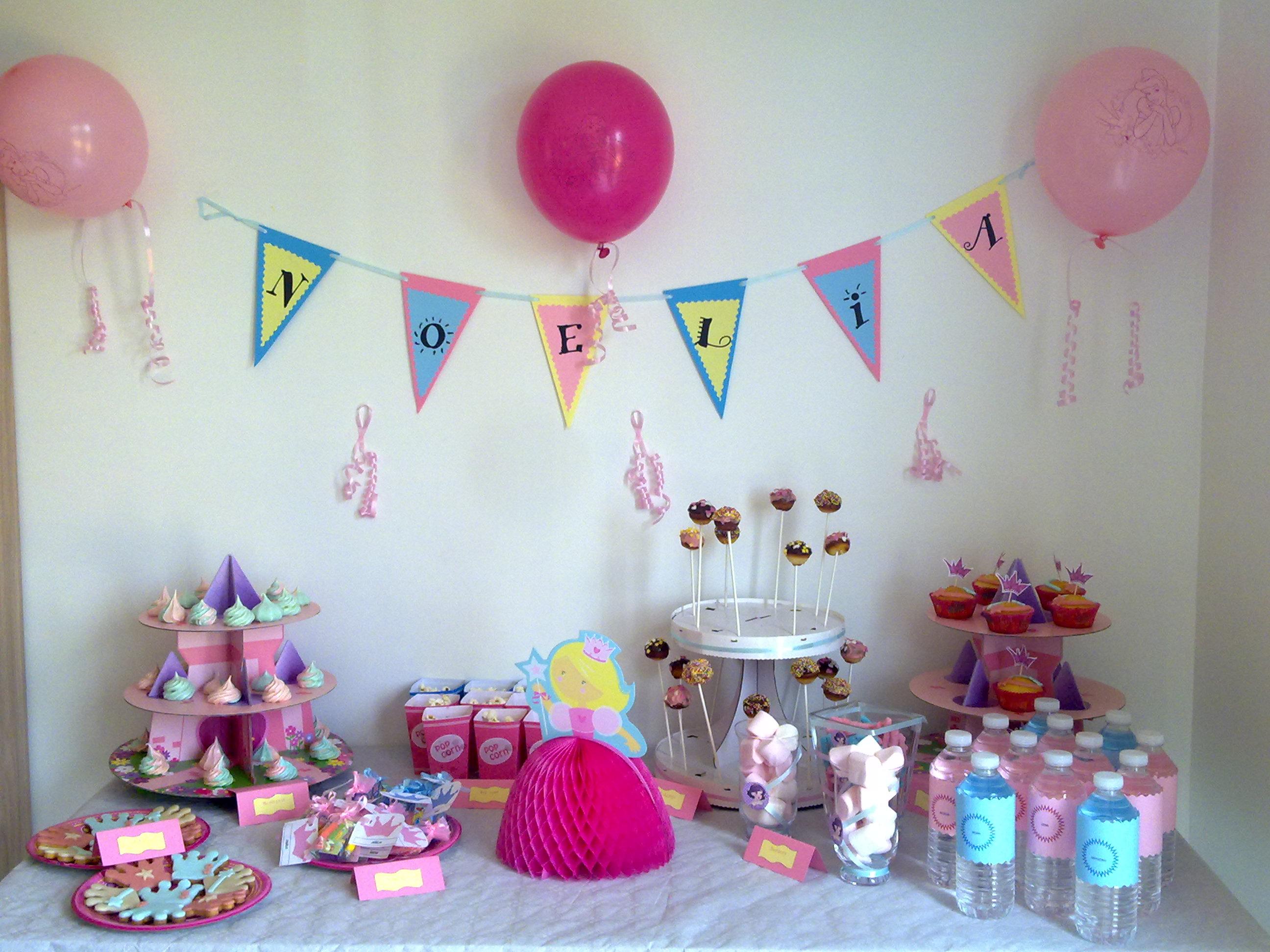 Sweet table princesse pour l 39 anniversaire de ma fille - Decoration gateau anniversaire fille princesse ...